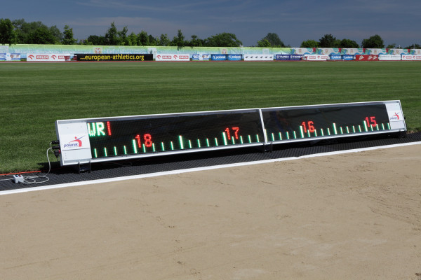 Polanik LED-Weitenanzeige für Weit- und Dreisprung